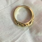 Gold ring sideview