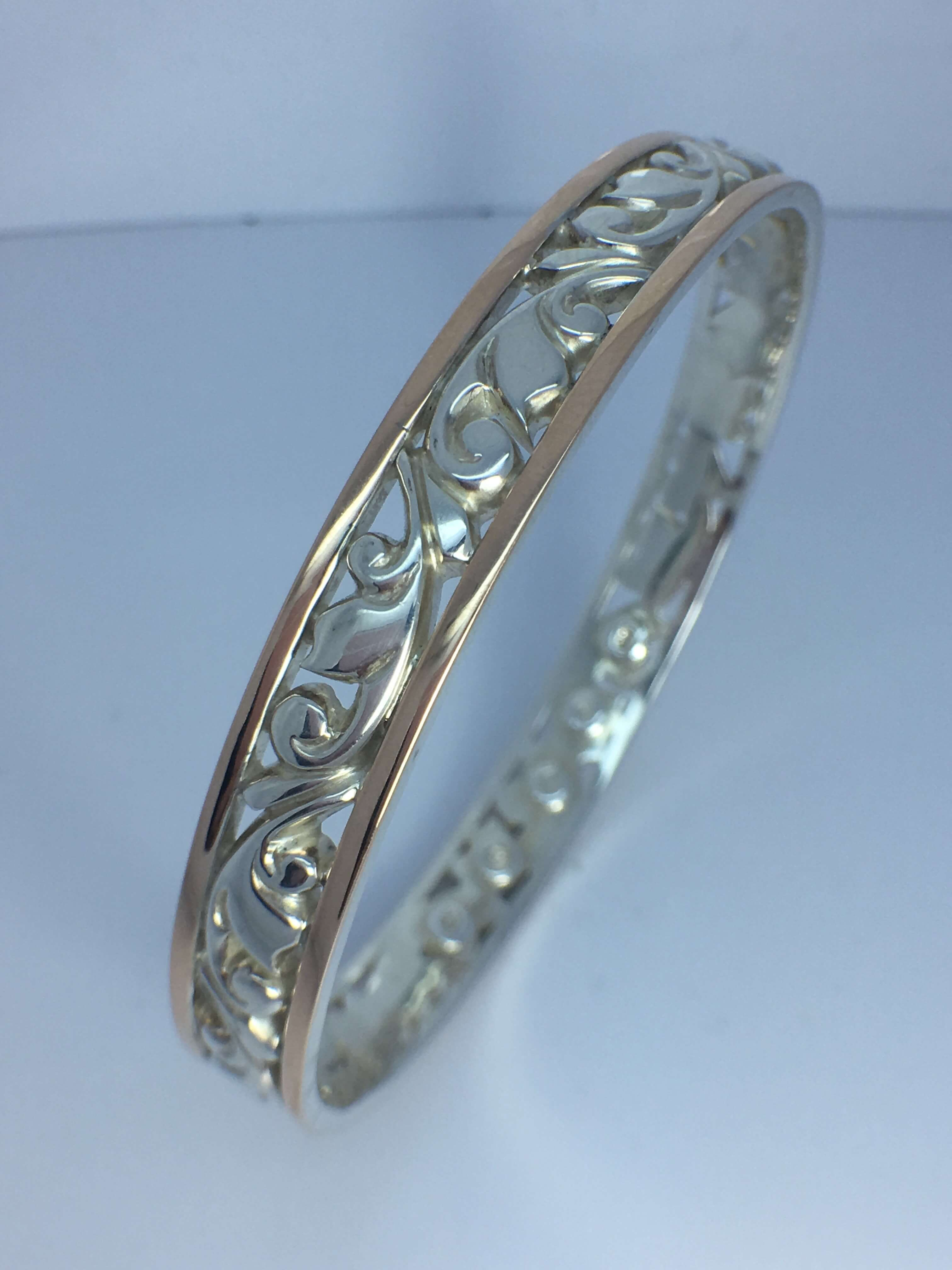 Sterling Silver _ 9ct Yellow Gold bangle